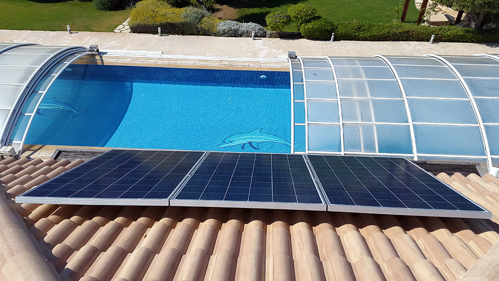 Solar swimming pool pumps save energy - Solar powered swimming pool heater ...